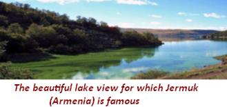 la belle vue sur le lac pour laquelle Jermuk (Arménie) est célèbre